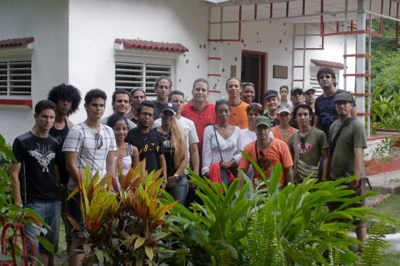 """Los integrantes de la Asociación """"Hermanos Saiz"""" visitan la Granjita Siboney"""". Foto: Alejandro Ramírez Anderson."""