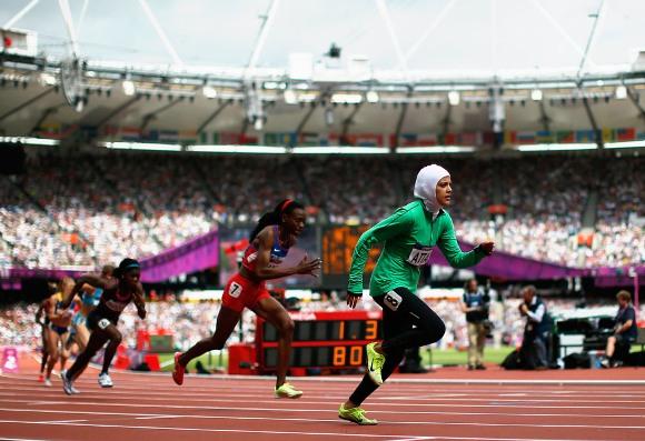 Sarah Attar, primera mujer en representar a Arabia Saudita en los deportes de pista en Juegos Olímpicos