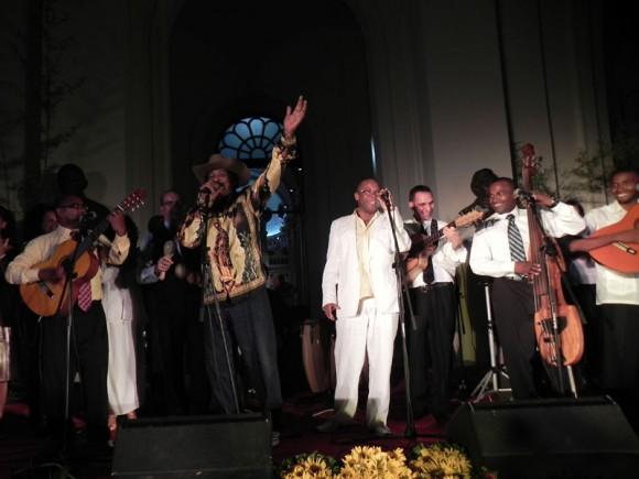 Final de la Serenata con el tema Veneración. Foto: Marianela Dufflar/Cubadebate