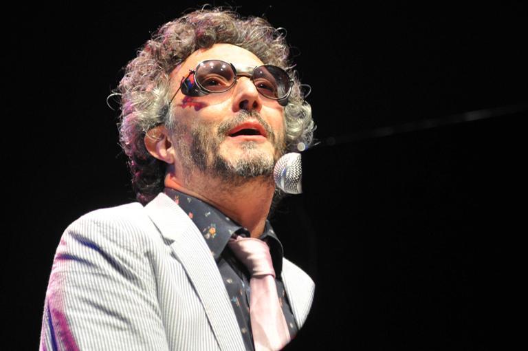 El músico argentino, Fito Páez, durante un concierto celebrado en el teatro Karl Marx en La Habana, Cuba, el 5 de diciembre de 2012. FOTO: Abel Ernesto/AIN