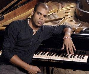 Pianista cubano Roberto Fonseca