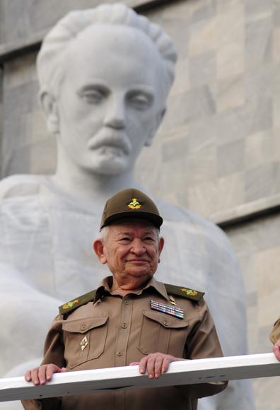 Comandante de la Revolución Guillermo García durante el desfile por el 1ro de Mayo en La Habana. Foto: Ladyrene Pérez/Cubadebate.