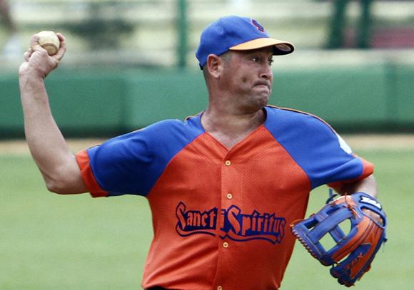 Noelvis Hernandez, trabajó bien por Sanctis Spiritus.  Foto: Ismael Francisco/ Archivo de Cubadebate