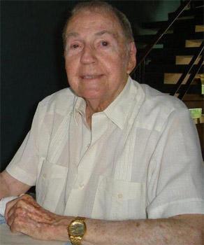 Fernando Alonso, Premio Nacional de la Danza y fundador de la Escuela Cubana de Ballet y del Ballet Nacional de Cuba.