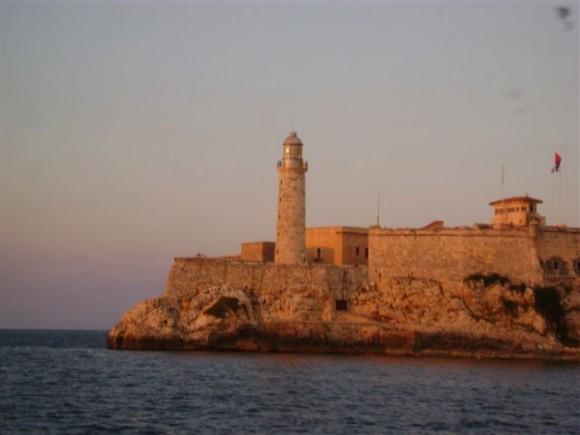 El Morro dorado. Foto: Ileana, Lectora de Cubadebate