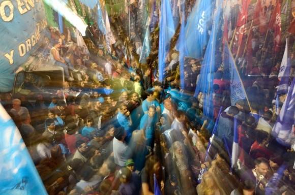 Festejos por la Ley de Medios fotos Kaloian12