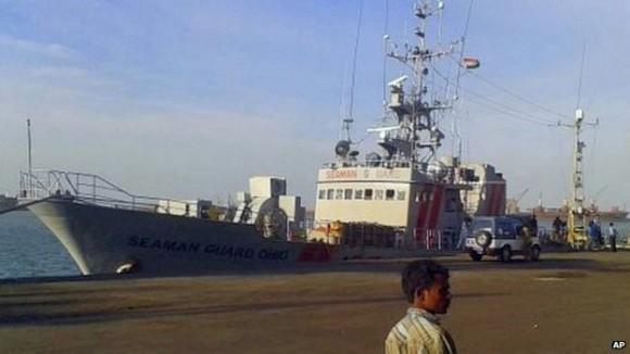 El buque MV Seaman Guard, propiedad de la empresa de seguridad marítima AdvanFort, fue interceptado por la Guardia Costera al este de Tuticorin el sábado pasado. Foto: BBC.