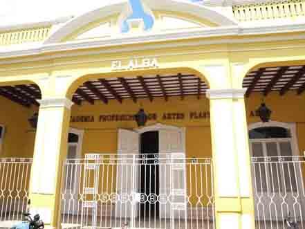"""Academia de Artes plásticas """"El Alba"""" en Holguín. Foto: Cubarte"""