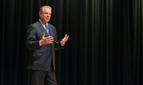Al Gore en McGill ex vicepresidente de EE.UU. Al Gore habla en la Universidad de McGill martes. Fotografía: Ryan Remiorz / AP