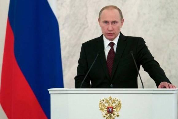 El presidente ruso Vladimir Putin en el Kremlin, Moscú, jueves, 12 de diciembre de 2013. Foto: Ivan Sekretarev / AP.
