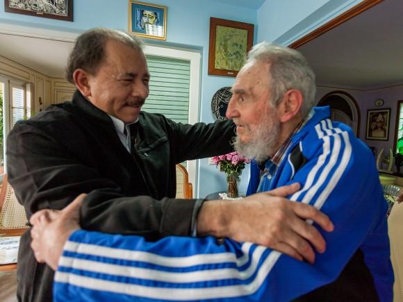Daniel Ortega y Fidel Castro en La Habana, 29 de enero de 2014. Foto: Alex Castro