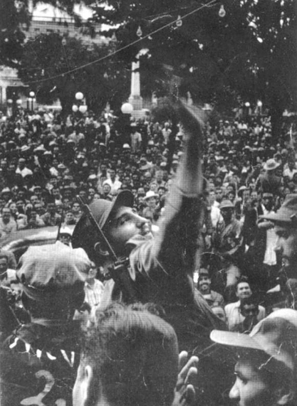 Fidel en Santiago de Cuba el 1 de enero de 1959.