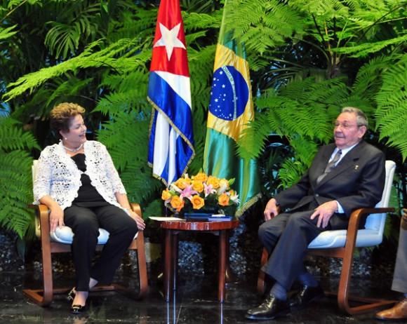 Raúl y Dilma en el Palacio de la Revolución. Foto: Ricardo López Hevia/ Granma.