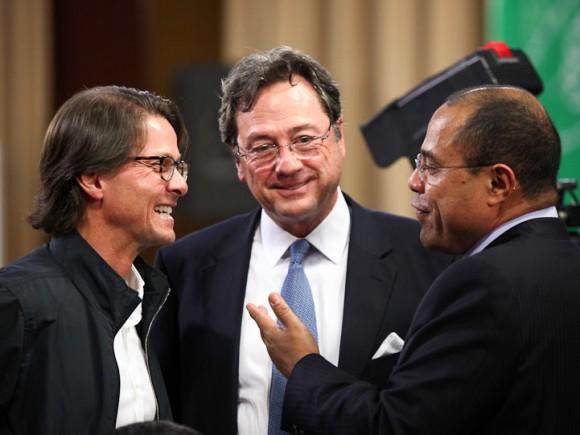 Lorenzo Mendoza, Presidente de Empresas Polar; Jorge Roig, Presidente de Fedecámara y Vladimir Villegas, periodista de Globovisión (Foto: Prensa Miraflores)
