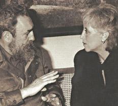 La periodista con Fidel Castro en la tapa de Stella Calloni íntima.