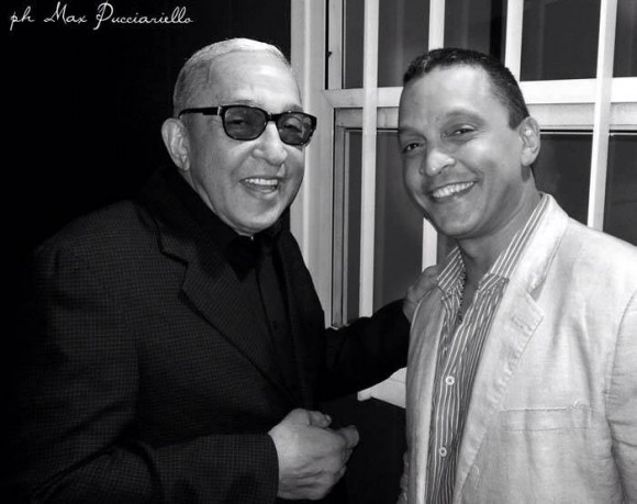 Con su hijo Samuel Formell, en el 2013. Foto: Facebook