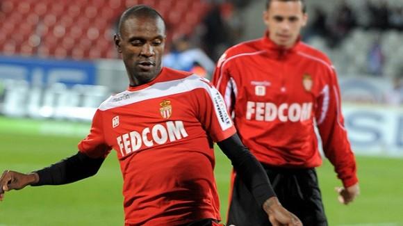 Eric Abidal, 34 años. El galo, actual titular en el AS Mónaco, no entró en la lista final de Dechamps. © AFP Jean-Pierre Clatot