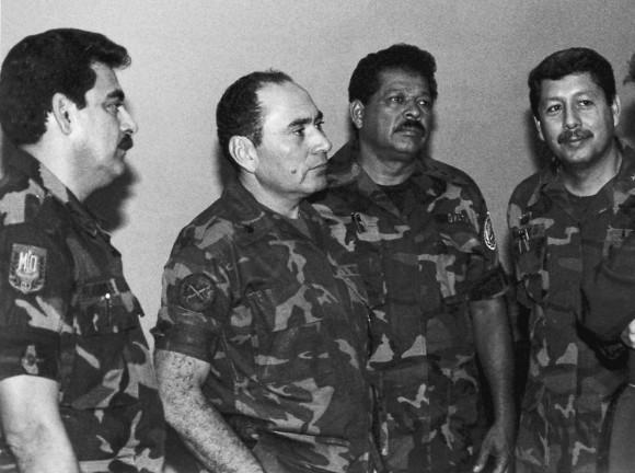 AP: Ex oficiales militares salvadoreños.