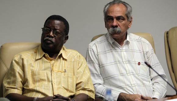 Cristian Jiménez, presidente del INDER, junto a Jorge González, presidente de la Comisión de Salud y Deporte del Parlamento Cubano. Foto: Ladyrene Pérez/Cubadebate.