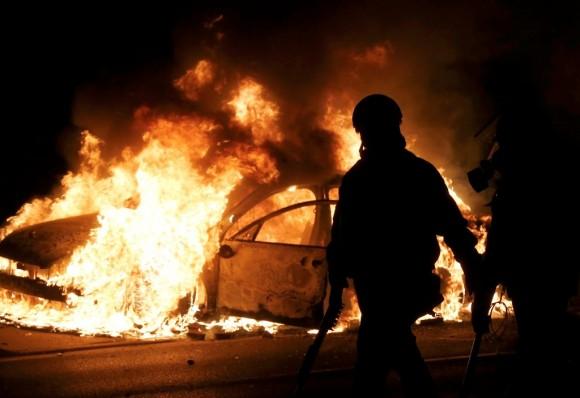 Estallan protestas en Ferguson17