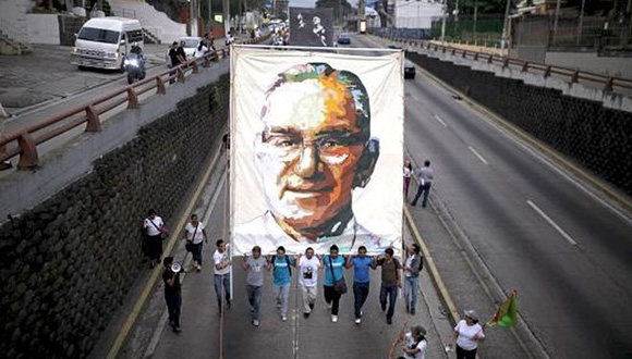 Salvadoreños recuerdan a Monseños Romero.