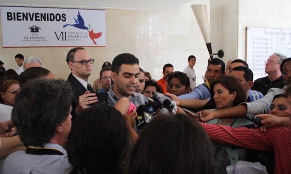 Momento durante la conferencia de prensa. Foto: David Vázquez Abella