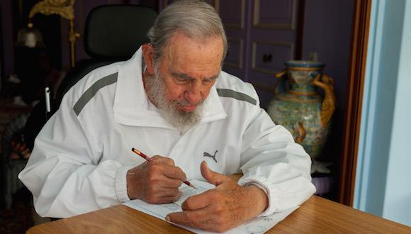 Fidel ejercer su derecho al voto, el 19 de abril de 2015. Foto: Estudios Revolución