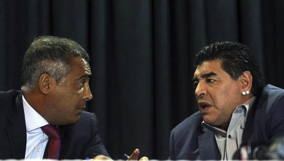 Maradona y Romario. foto: Archivo de Cubadebate