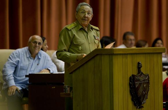 General de Ejército Raúl Castro, presidente de los Consejos de Estado y de Ministros, clausura en el Palacio de las Convenciones de La Habana el V Periodo Ordinario de Sesiones de la VIII legislatura de la Asamblea Nacional del Poder Popular. Foto: Ladyrene Pérez/ Cubadebate