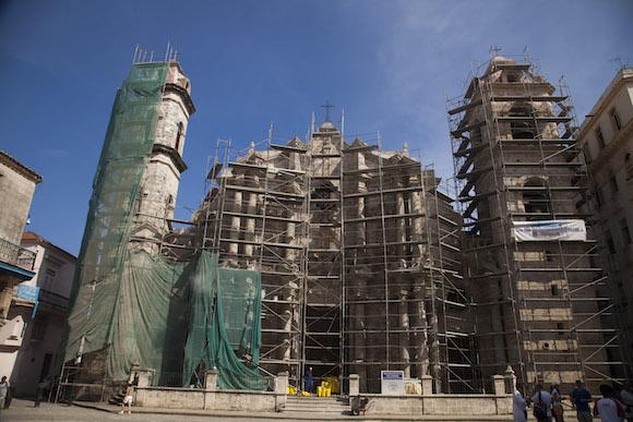 Reparación de la Catedral de La Habana. Foto: Ismael Francisco/ Cubadebate