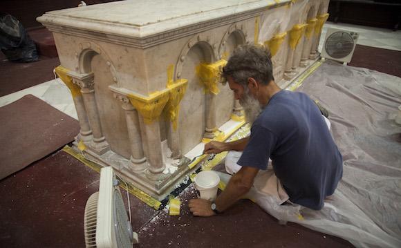 El altar de la Catedral en plena restauración. Foto: Ismael Francisco/ Cubadebate