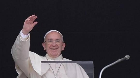 El Papa Francisco en el Ángelus, en la Plaza San Pedro. Foto: EFE
