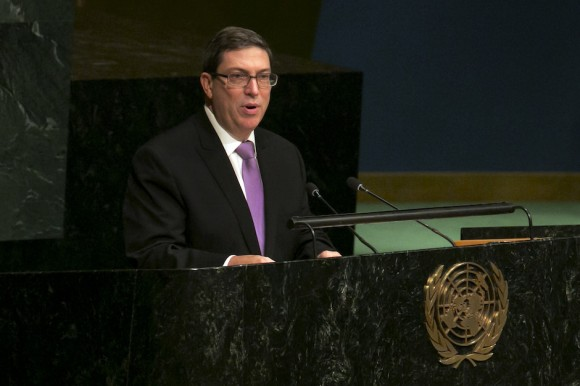 Bruno Rodríguez, Ministro de Relaciones Exteriores de Cuba, presenta la resolución contra el bloqueo en ONU, este martes. Foto: Richard Drew/ AP