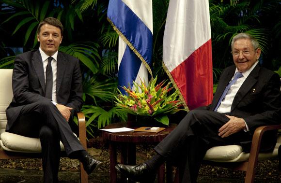 Matteo Renzi junto a Raúl Castro. Foto: Ismael Francisco/Cubadebate