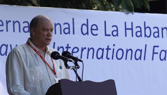 Malmierca aseguró que Cuba cuenta con un intercambio comercial amplio y se espera continuar diversificándolo. Foto: José Raúl Concepción/Cubadebate