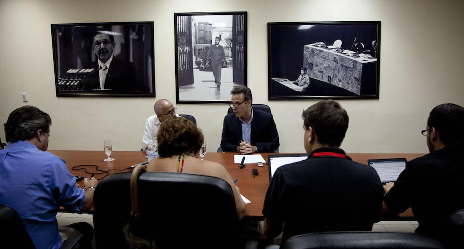 Esperan acuerdo a corto plazo sobre vuelos directos entre Cuba y EEUU: Gustavo Machín