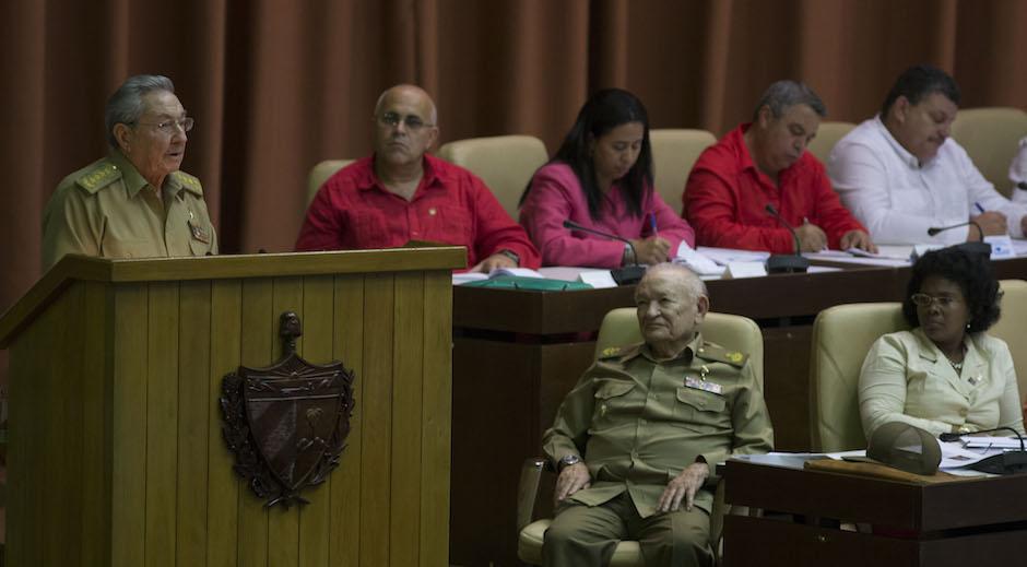 Raúl Castro: Jamás aceptaremos condicionamientos que laceren la soberanía de la Patria (+ Fotos)