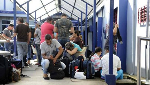 Cubanos en Costa Rica. Foto tomada del periódico La Nación de Costa Rica.