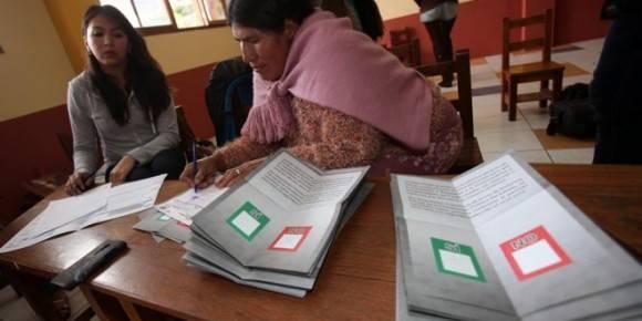 Escrutinio del Referendo en Bolivia. Foto: EFE