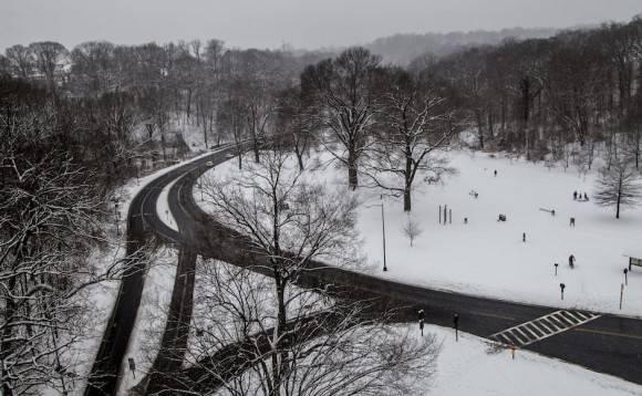 Las temperaturas peligrosamente frías que afectaron el este del país durante el fin de semana de San Valentín fueron el preámbulo para una importante nevada y hielo desde Tennessee hasta Maine. Foto: Ismael Francisco/ Cubadebate