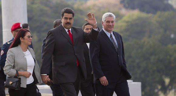 Con el Primer Vicepresidente cubano Miguel Díaz Canel en el Memorial José Martí. Foto: Ismael Francisco/ Cubadebate