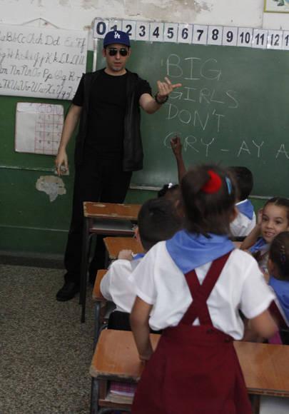 John Lloyd Young en un aula de la escuela Miguel Fernández Roig. Foto: Jennifer Veliz/ Cubadebate.
