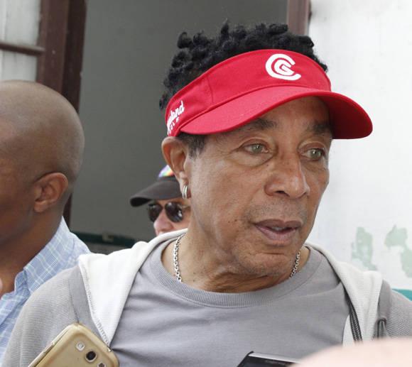 Smokey Robinson es entrevistado por la prensa nacional. Foto: Jennifer Veliz/ Cubadebate.