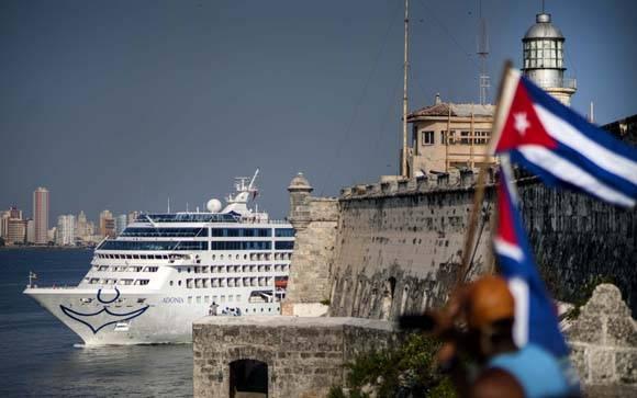Llegada del crucero Adonia a La Habana. Foto: Ismael Francisco/Cubadebate.