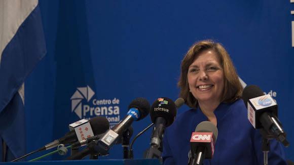 Resultado de imagen para Denuncia Josefina Vidal el uso de INTERNET para la subversión interna en Cuba