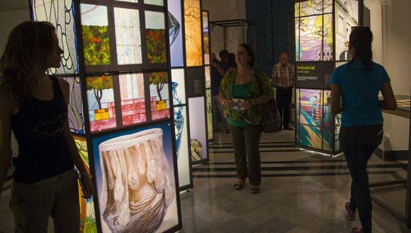 """Exposición """"Naturalezas del Art Nouveau"""", a disposición del público en el Palacio de Segundo Cabo. Foto: Ismael Fransciso/ Cubadebate."""