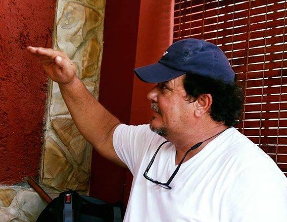 Alejandro Pérez ha llegado a lo más alto del video clip mundial, pero entre sus planes no figura detenerse. Su ambición se regenera constantemente. Foto: José Raúl Concepción/ Cubadebate.