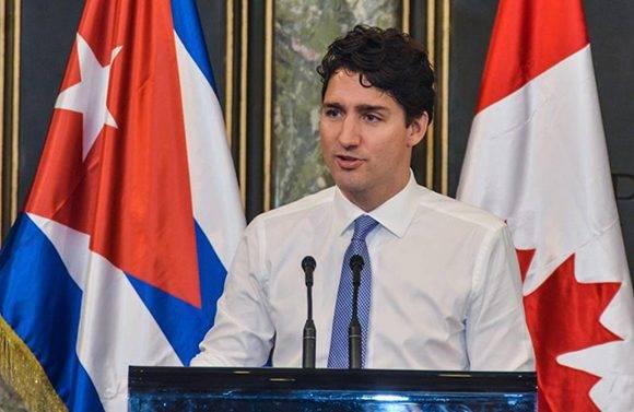 Justin Trudeau, Primer Ministro de Canadá, ofreció una Conferencia Magistral, a la que asistió el General de Ejército Raúl Castro Ruz, Presidente de los Consejos de Estado y de Ministros de Cuba, y Miguel Díaz-Canel Bermúdez, Primer vicepresidente de los Consejos de Estado y de Ministros, en el Aula Magna de la Universidad de La Habana, el 16 de noviembre de 2016. ACN FOTO/Marcelino VAZQUEZ HERNANDEZ.