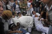 Represión contra las Damas de Blanco, en esta foto de archivo