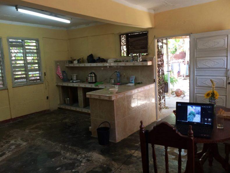 kjøkkenet i guesthouset vårt
